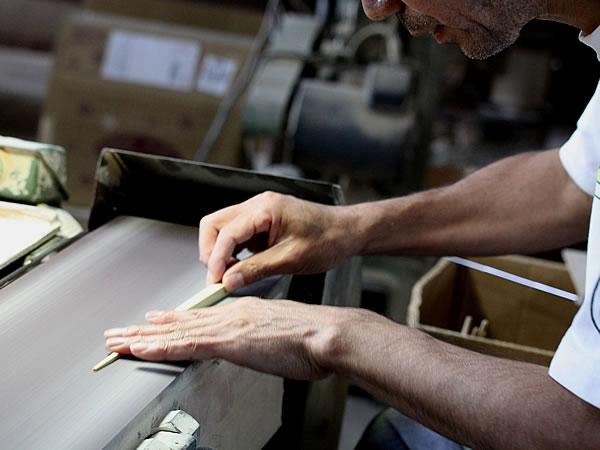 竹箸削り作業