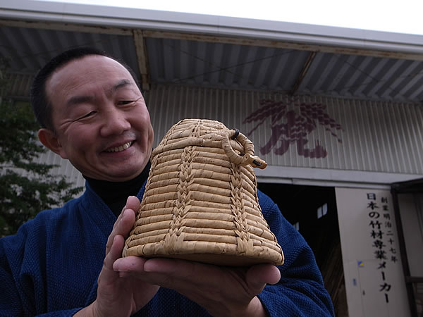 竹皮編み物籠