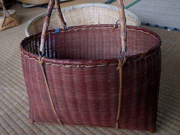 古い竹籠バッグ