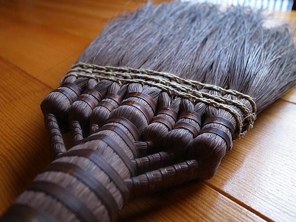 古い棕櫚箒