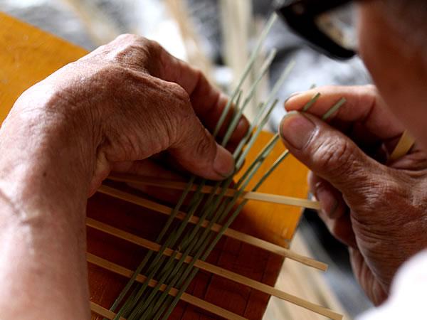 細かい竹編み