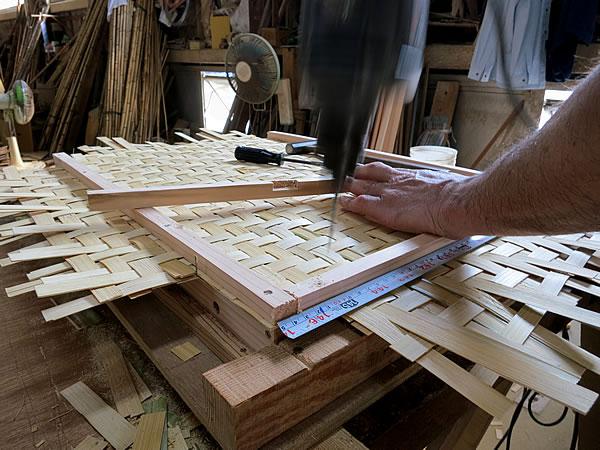えびら(竹編み平かご)製造