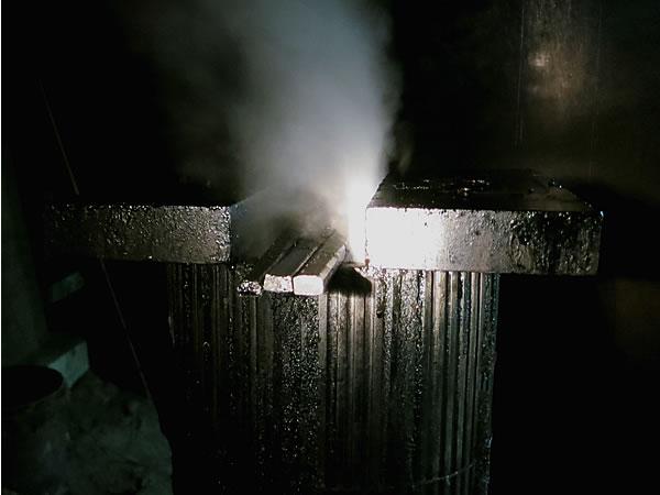 竹炭窯排煙口