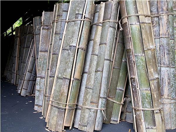 竹炭用の割竹