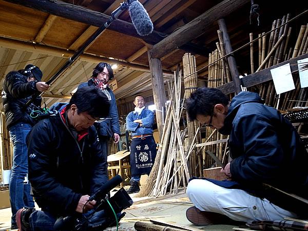 竹編みテレビ取材