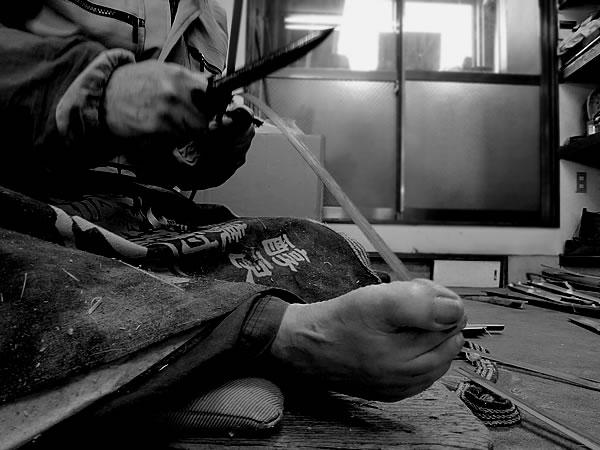 竹職人の足技