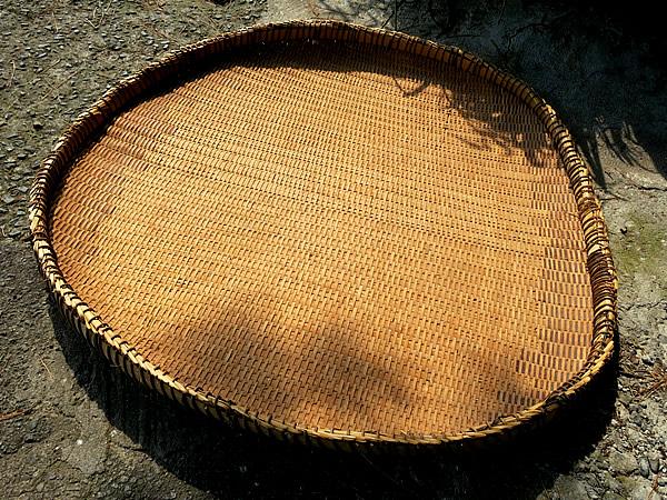 チンチク(蓬莱竹)竹ざる