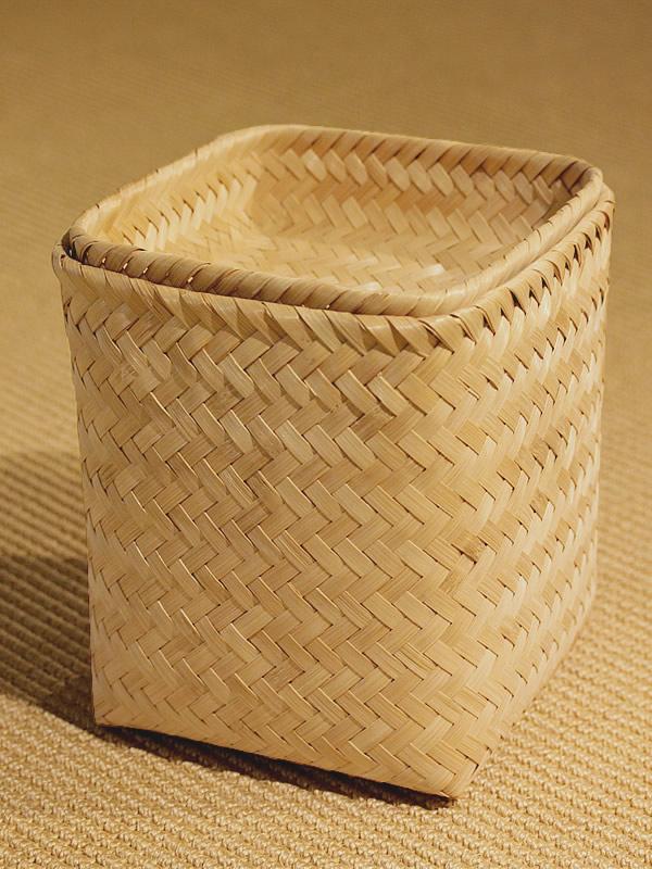 イタヤ細工のような竹細工