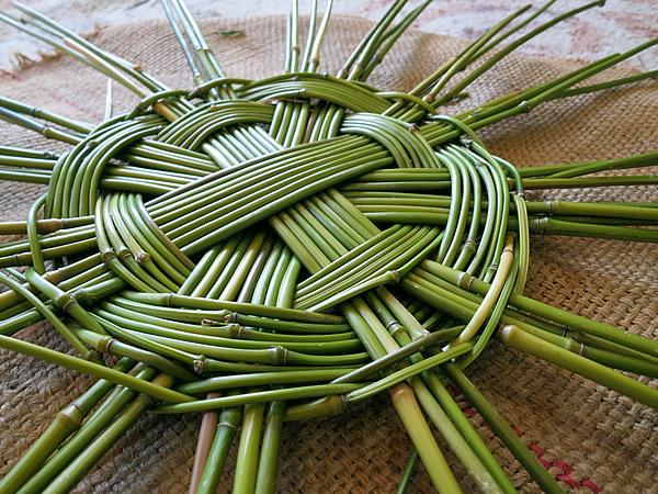 メゴ笹籠底編み
