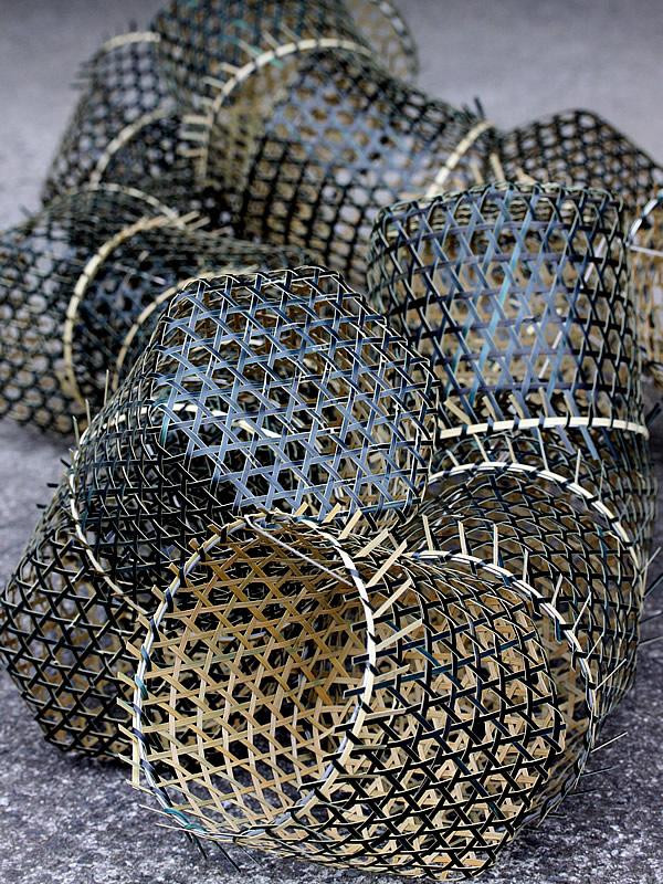黒編み竹炭籠製造