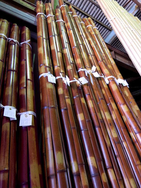 竹セリ市の煤竹