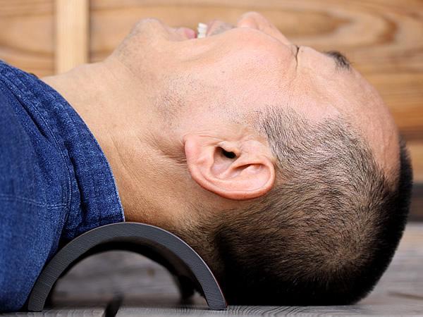 ストレートネック対策の竹首枕