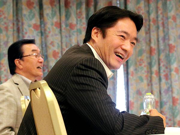 尾崎正直高知県知事、横田英毅氏