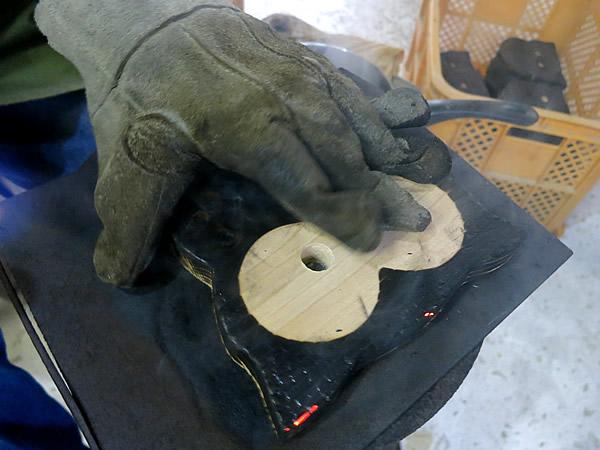 焼き杉鍋敷き作り