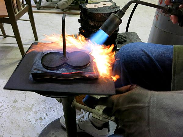 焼き杉鍋敷き製造
