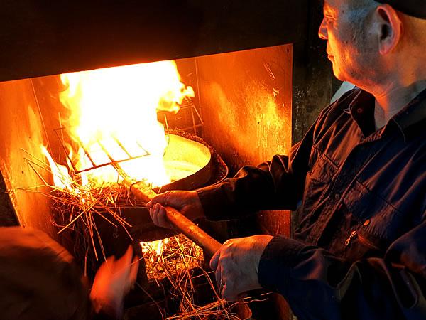 鰹タタキ藁焼き体験