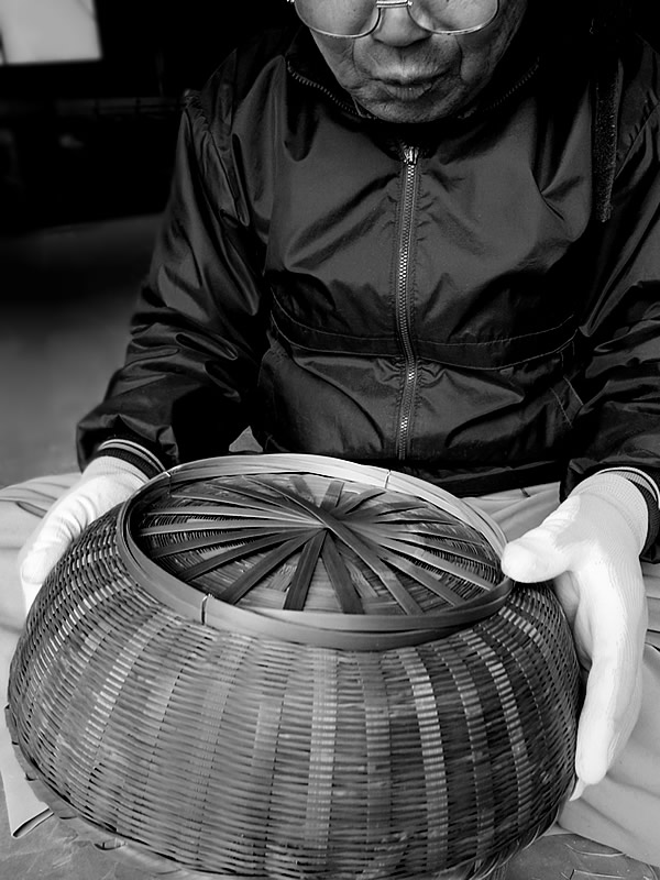 伝統の竹籠職人(Bamboo craftsman)