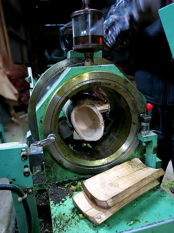 孟宗竹を「磨く」機械