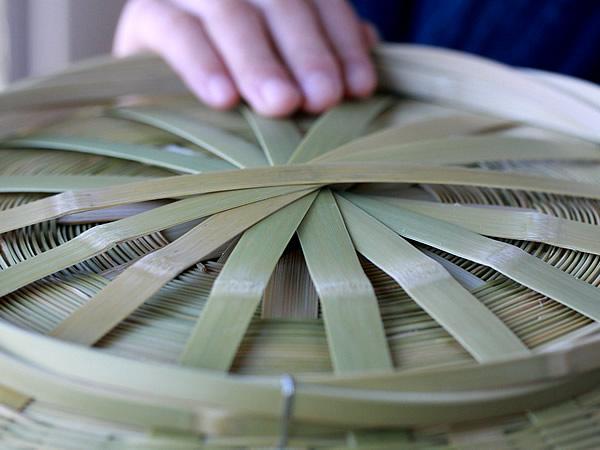 足付き台所籠(大)底編み部分