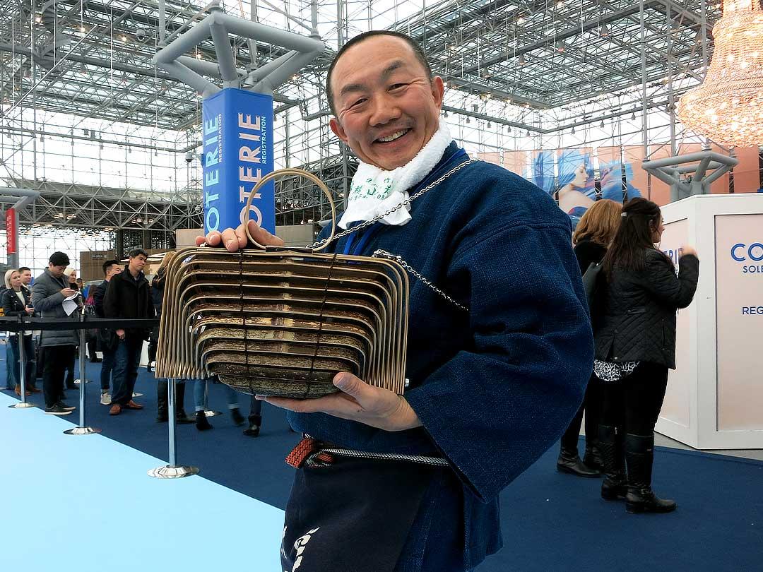 竹虎四代目(山岸義浩、YOSHIHIRO YAMAGISHI、TAKETORA)、COTERIE展で虎竹バックニューヨーカー