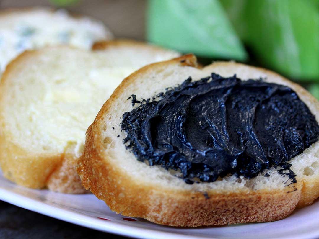 竹炭バター