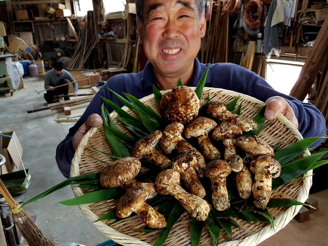 竹職人とマツタケ