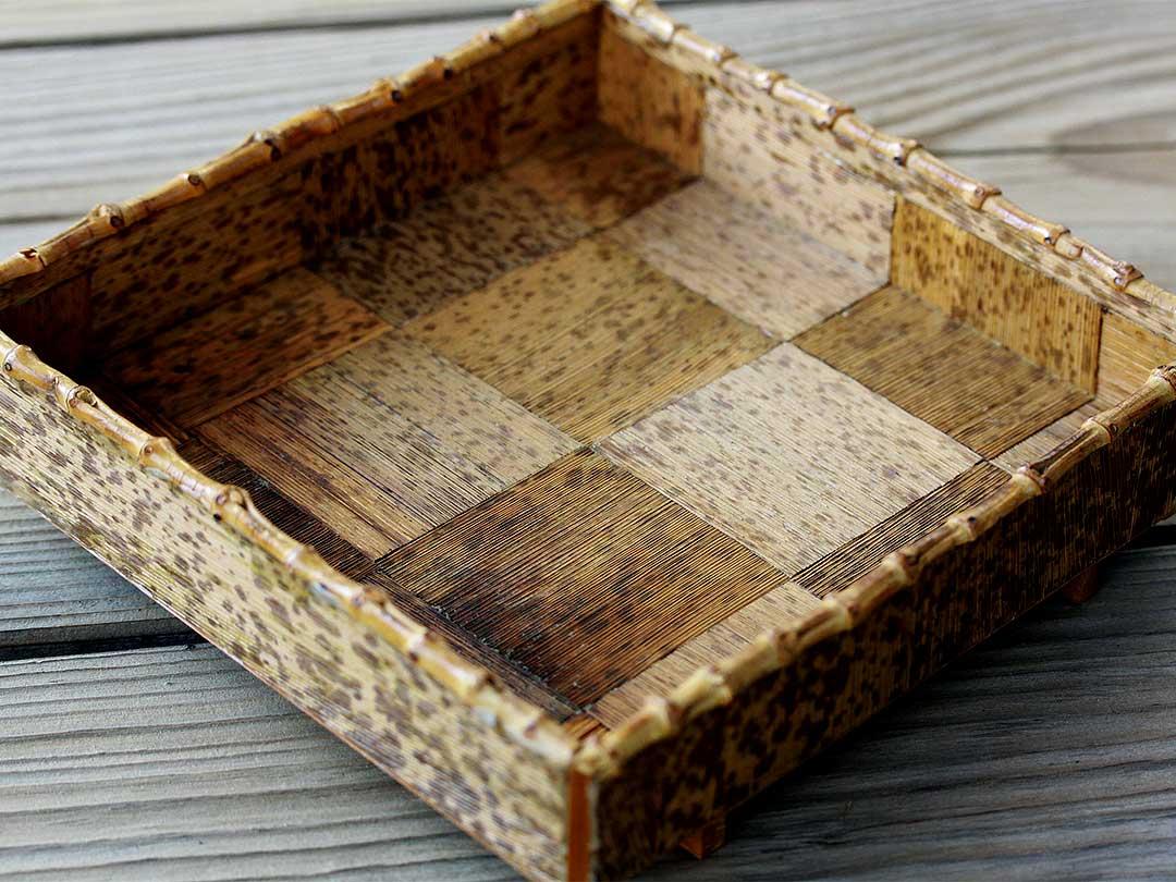 竹皮盛り器