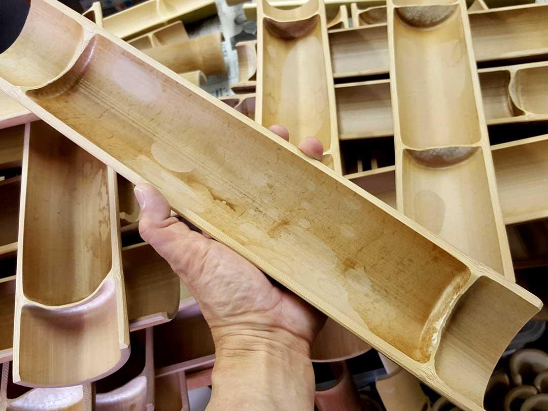 竹踏み(炭化竹)のシミ