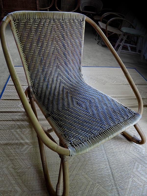 根曲竹椅子