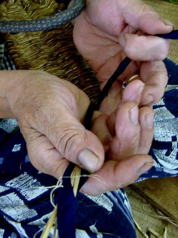 竹皮草履鼻緒製造
