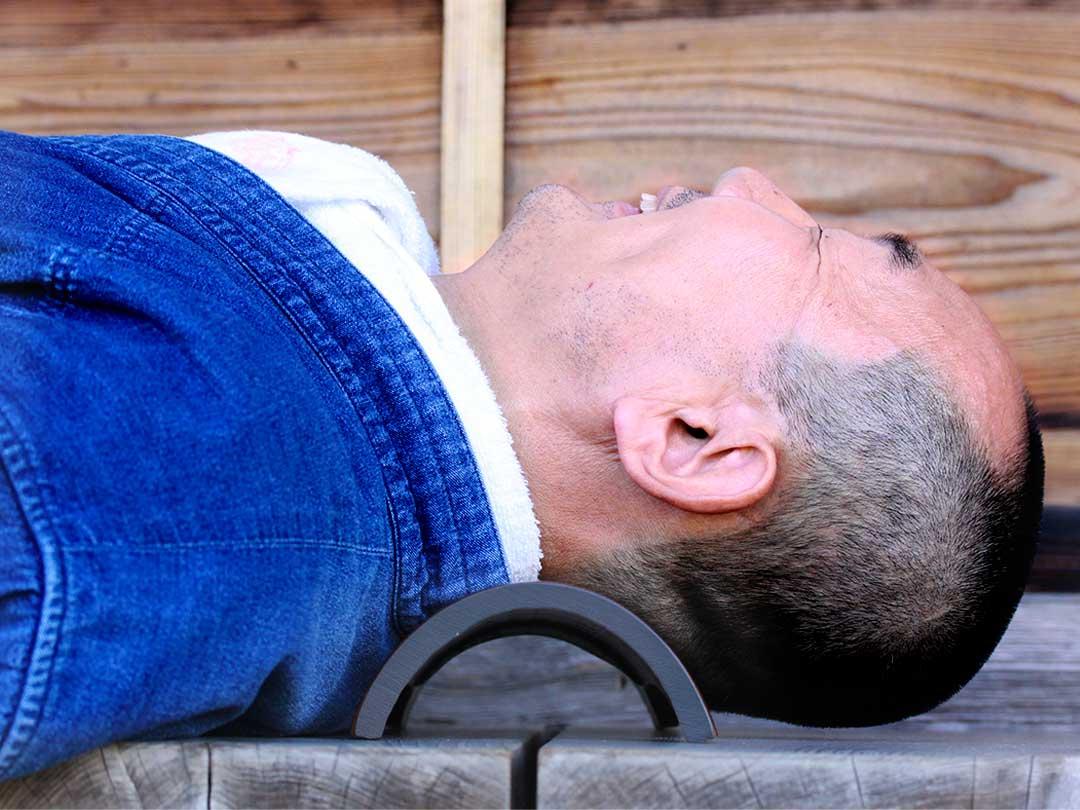 スマホ首、ストレートネック、クレーンネックの竹首枕