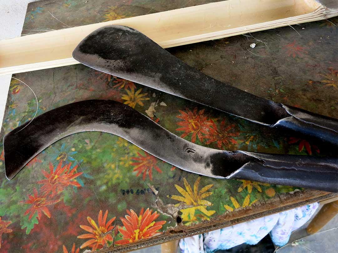 タイの鶏籠職人の使う刃物