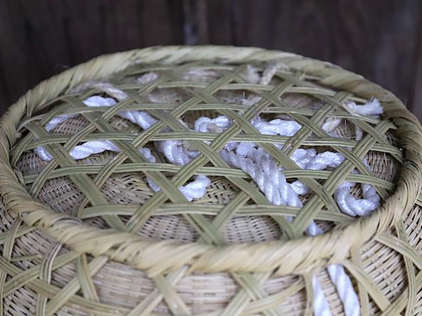 スズ竹二重編み背負い籠