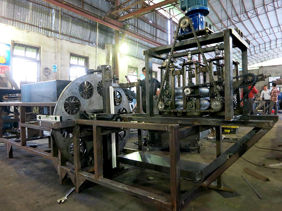 中国、広寧の竹加工用機械製造会社