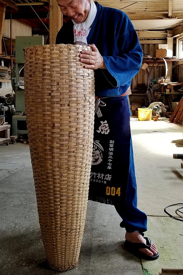 魚漁の竹籠