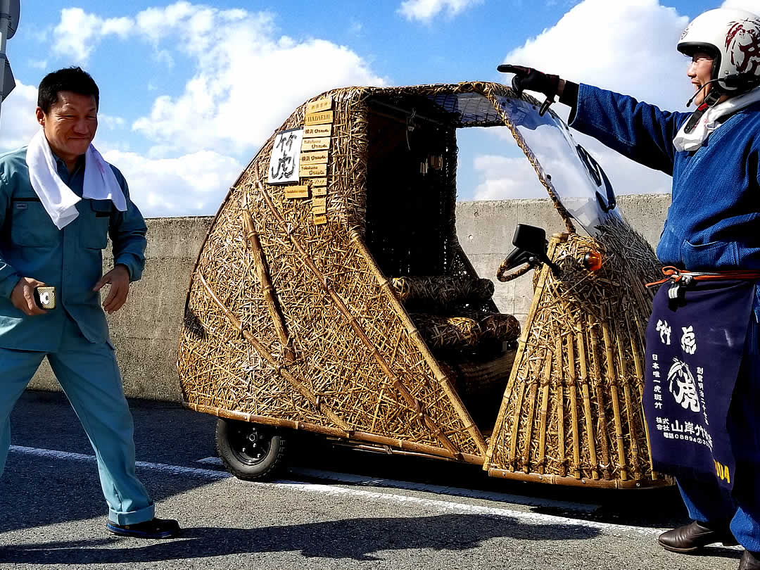 竹虎四代目、大型トラック運転手さんと竹トラッカー