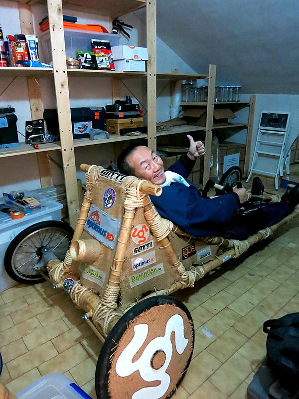 Ivan Platasさんの竹の車