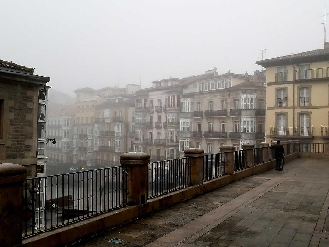 霧のビトリア