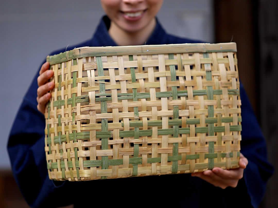 一閑張手提げ籠バッグ竹編み