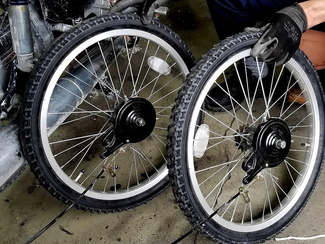 竹の車タイヤ交換