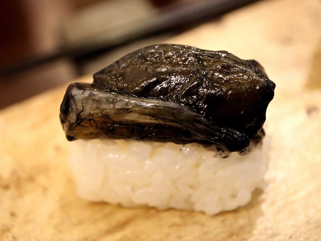 竹炭あこや貝鮨