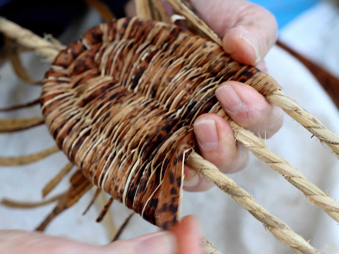 国産竹皮草履編み