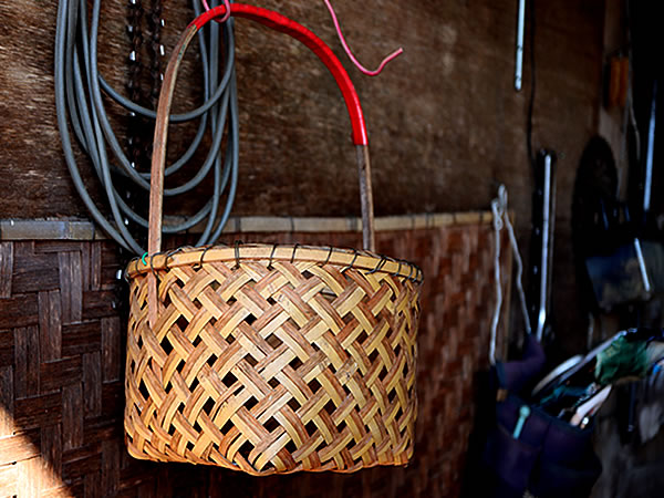納屋の竹籠
