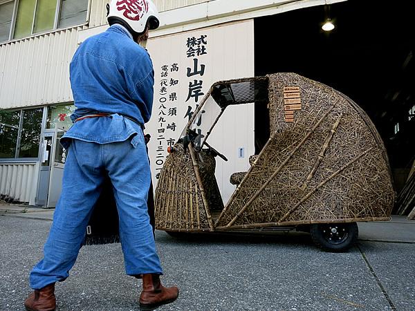 竹虎四代目(山岸義浩)、日本唯一の虎竹電気自動車「竹トラッカー」