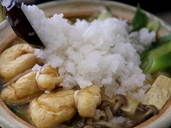 竹の鬼おろしを使ったミゾレ鍋