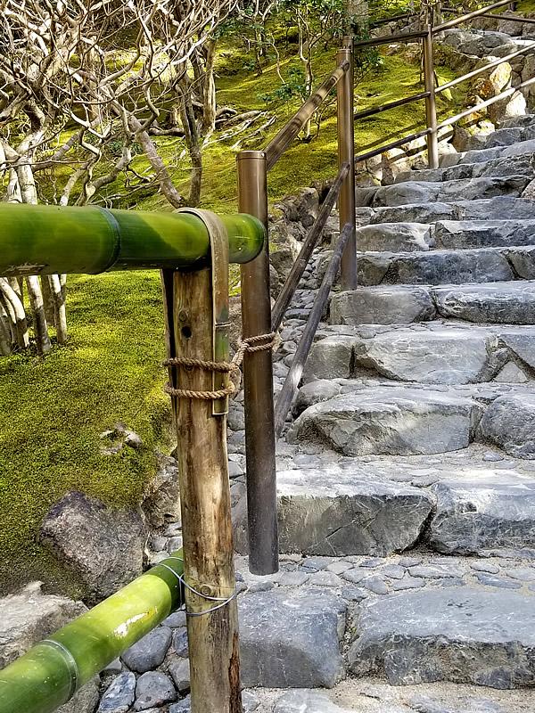 東山慈照寺の竹手すり