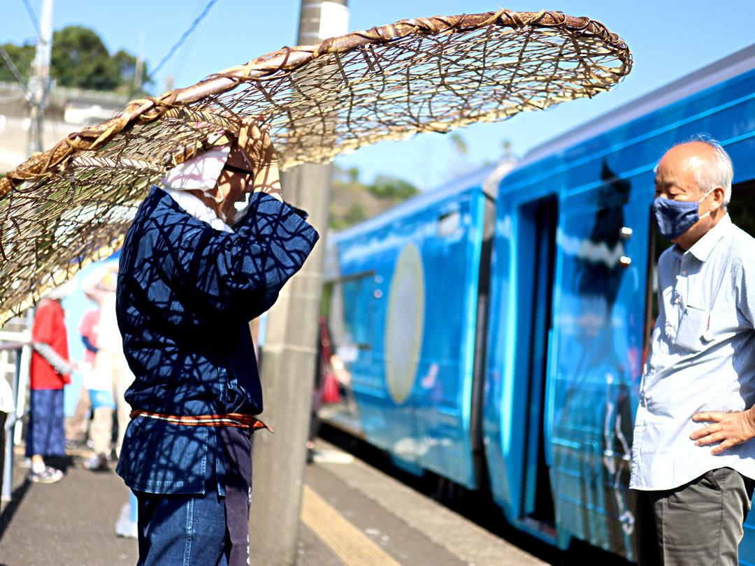 JR四国観光列車、感染防止帽子