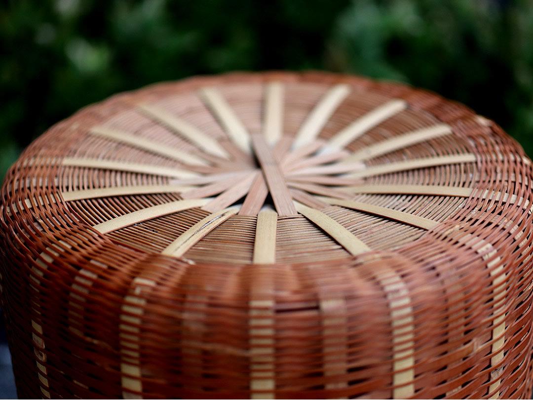 菊底編み竹籠