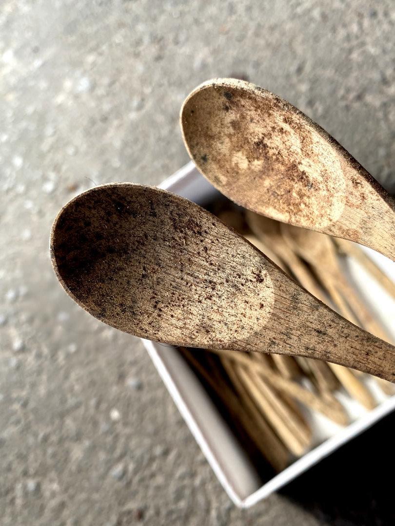 カビの生えた竹スプーン