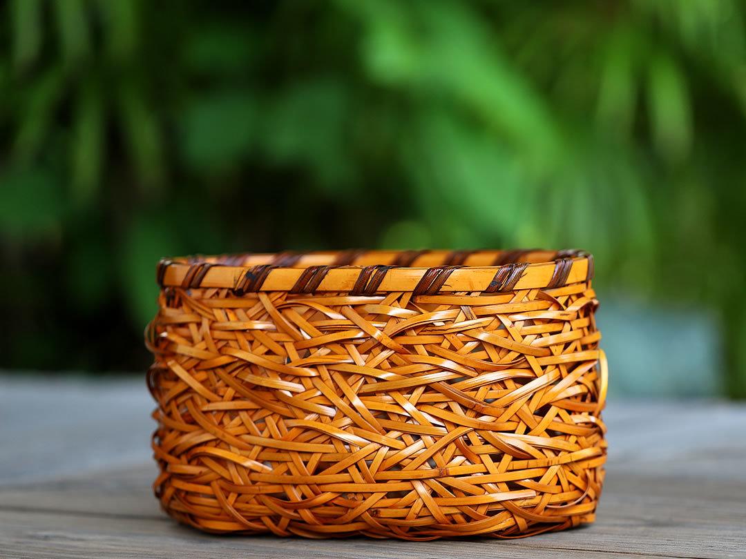 やたら編み竹籠